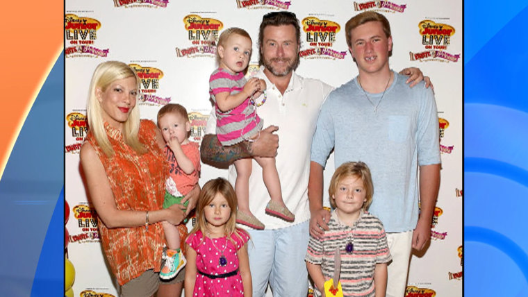 Image: Tori Spelling and family