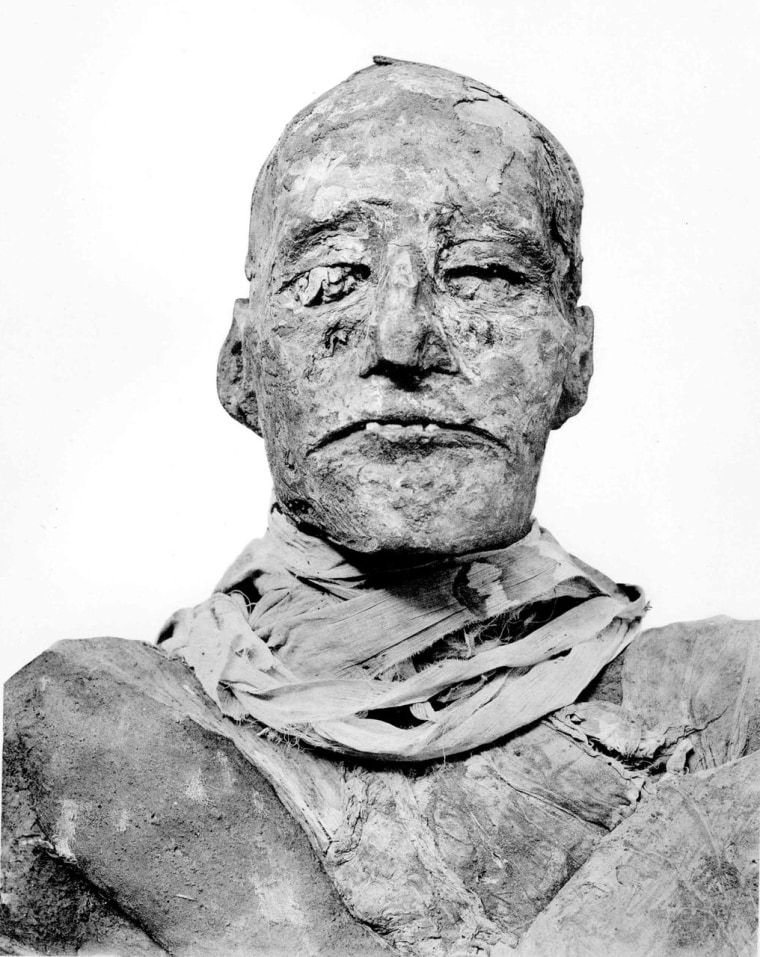 This is the mummy of Ramses III. The conspiracy against him is believed to have been led by one of his wives and Prince Pentawere, their son, whose body may have been found at last.