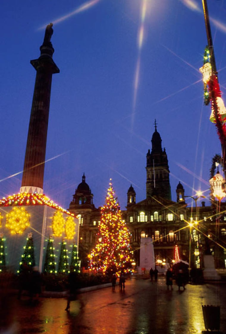 GEORGE SQUARE CHRISTMAS DECORATIONS, GLASGOW. GEORGE SQUARE CHRISTMAS DECORATIONS, GLASGOW.