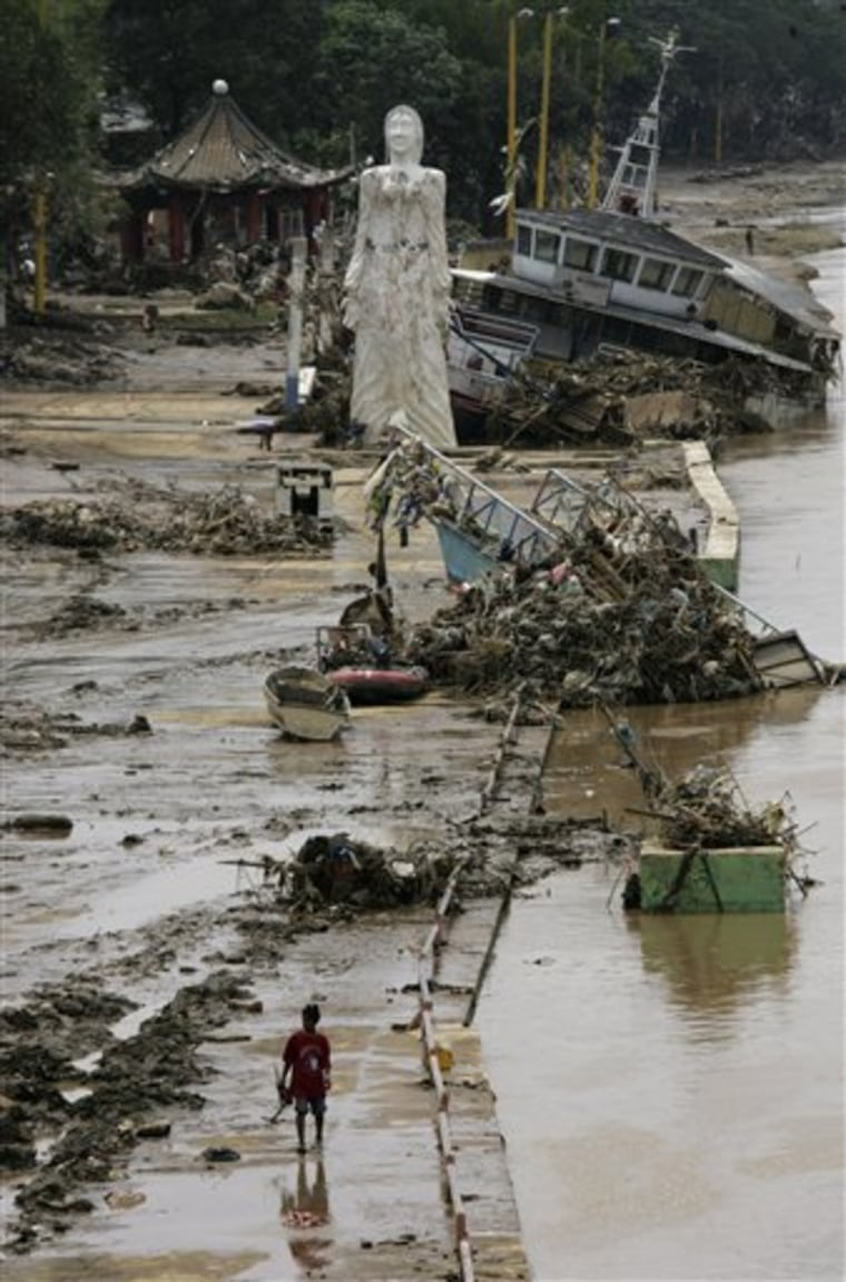 APTOPIX Philippines Asia Storm