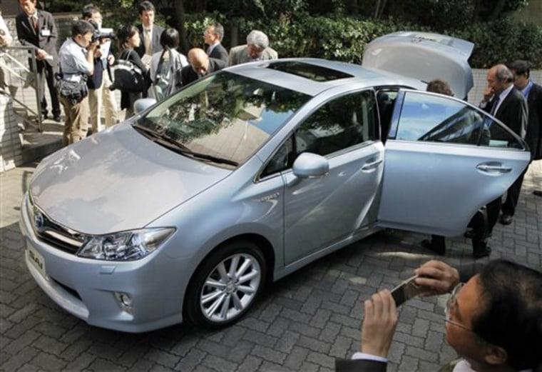 Japan Toyota New Hybrid