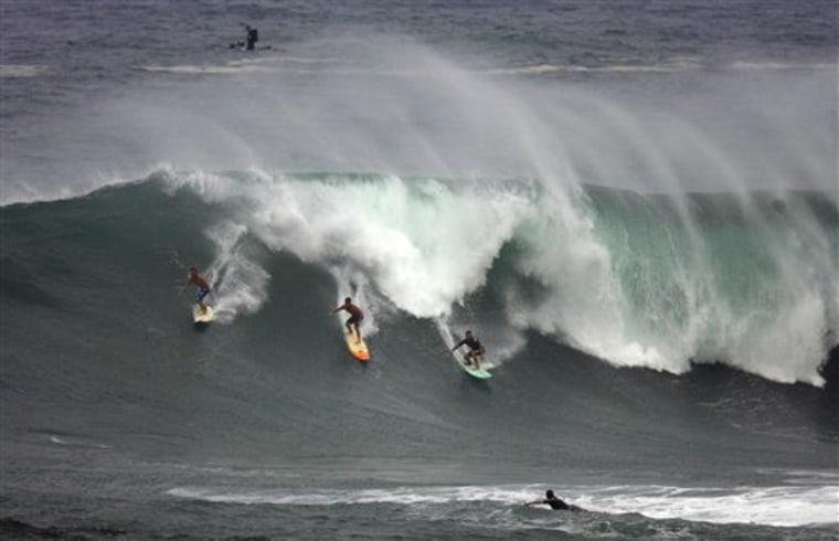 High Waves Hawaii
