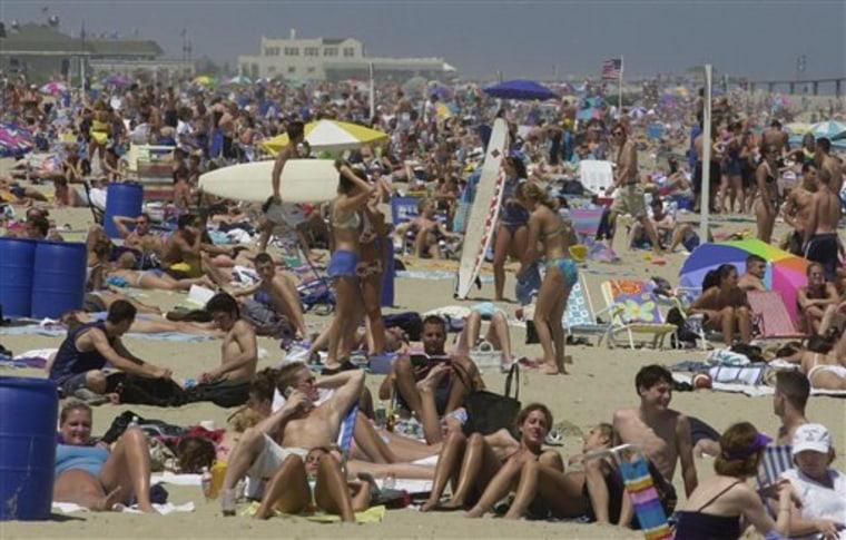 ROWDY BEACH TOWN