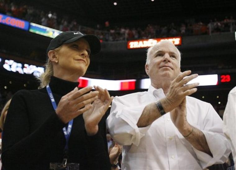 Spurs Suns Basketball McCain 2008