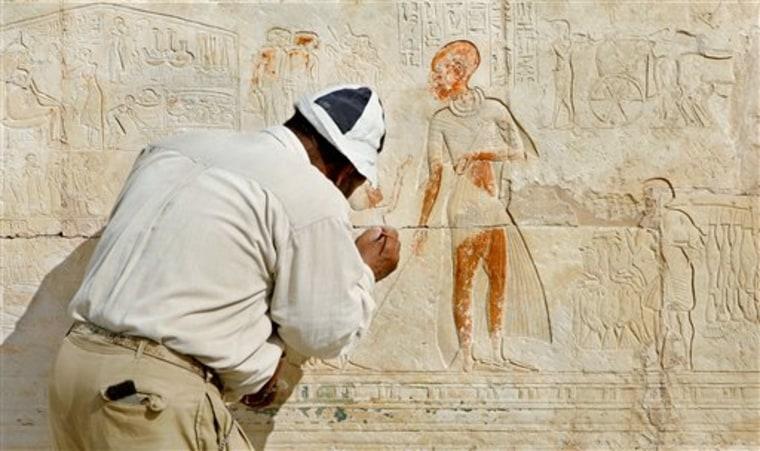EGYPT NEW TOMBS