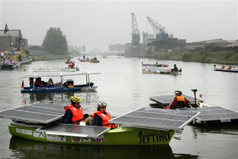 NETHERLANDS SOLAR BOAT RACE