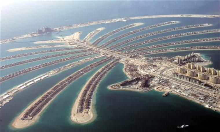 EMIRATES DUBAI PALM ISLAND FIRE