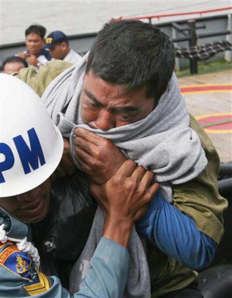 INDONESIA SHIP SINKS