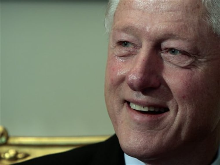 Former U.S. president Bill Clinton at a meeting with Egyptian President Hosni Mubarak in Cairo on Tuesday.