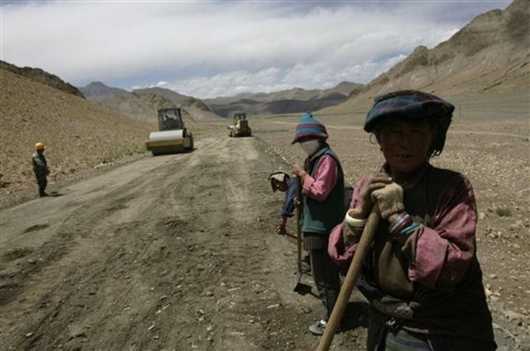 China Mount Everest Road