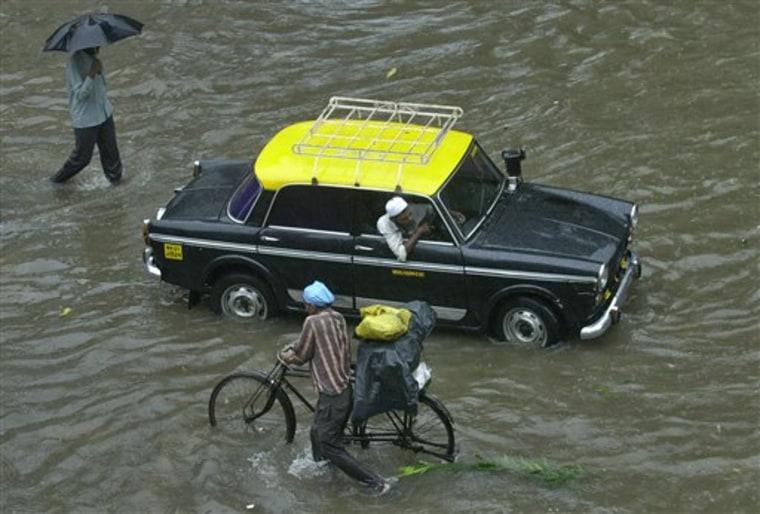 INDIA BOMBAY FLOODING