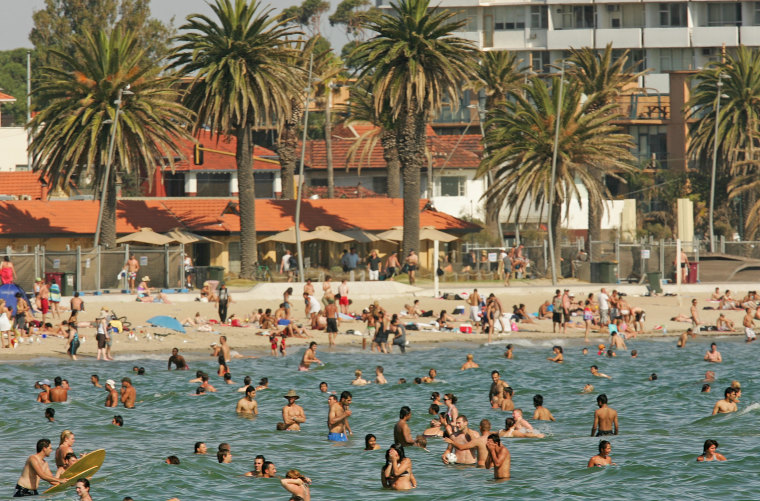 Melbourne Swelters As Heatwave Continues
