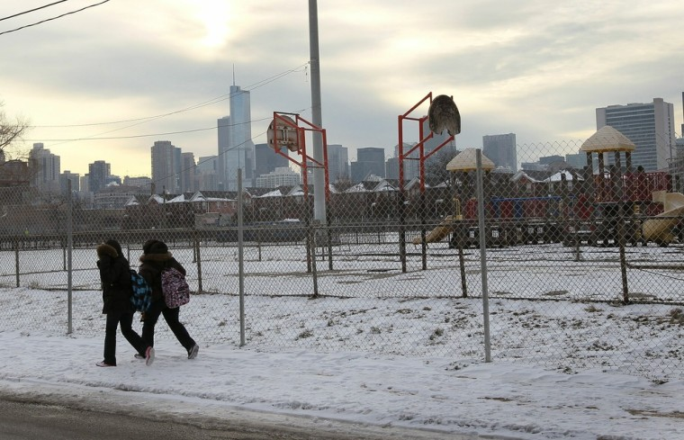 Image: Infamous Chicago Housing Project Cabrini-Green Closes Down