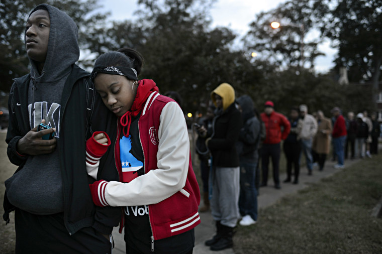 Photo by AP/The Virginian-Pilot/Amanda Lucier