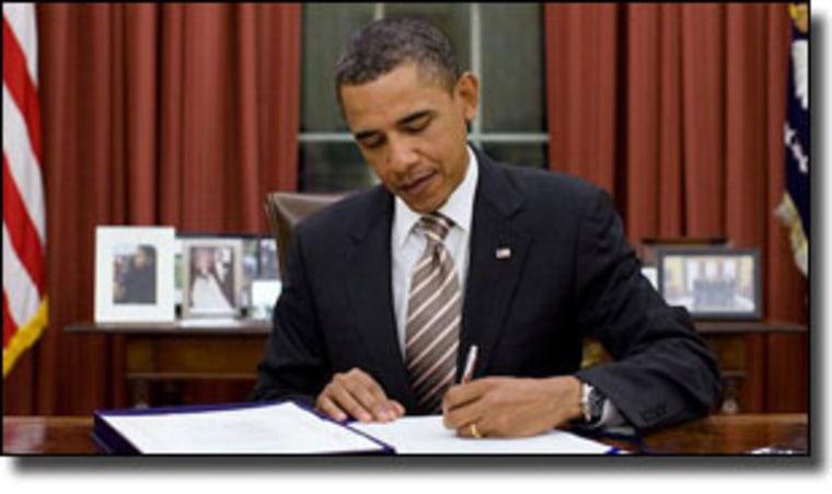 President Obama signs FDA Food Safety Modernization Act into law, January 4, 2011