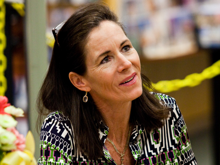 """File Photo:  Jenny Sanford, former wife of South Carolina Governor Mark Sanford, signs copies of her book \""""Staying True\"""" at a bookstore February 13, 2010 in Mt. Pleasant, South Carolina. (Photo Richard Ellis/Getty Images/File)"""