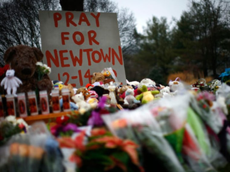 A makeshift memorial in Newtown, Connecticut. (Photo by Eric Thayer/Reuters)