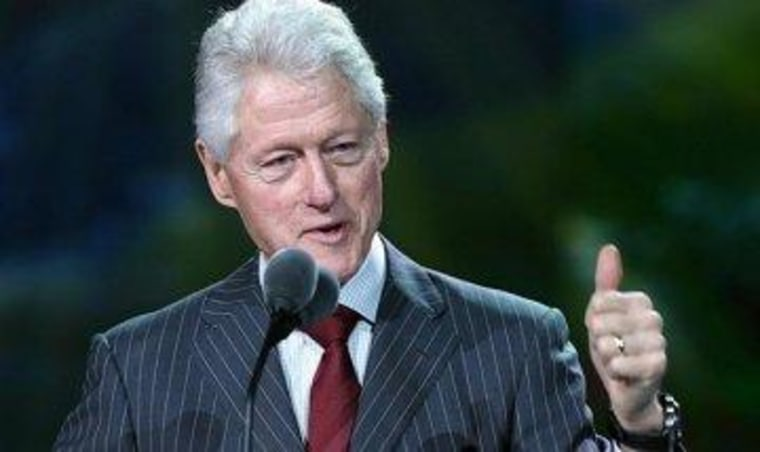 Clinton urges court to overturn DOMA