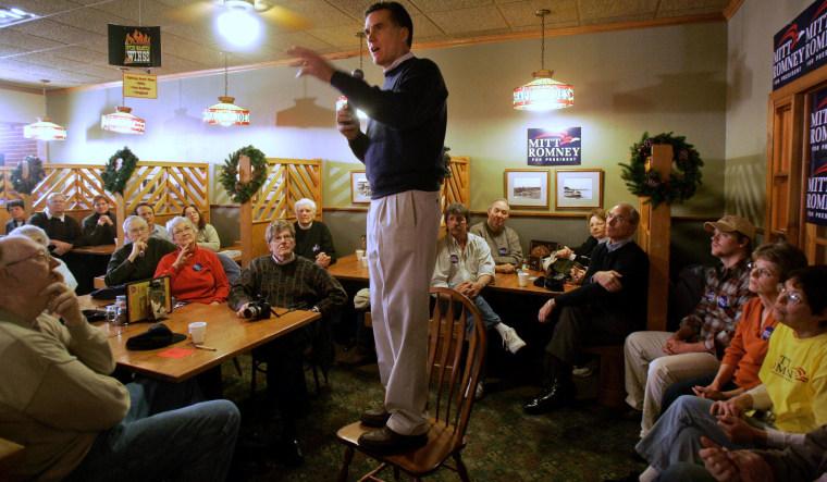 Mitt Romney releases 2011 tax returns, paid 14.1 percent rate