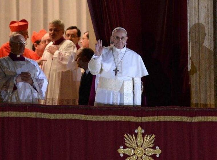 Argentina's Bergoglio introduced as Pope Francis I