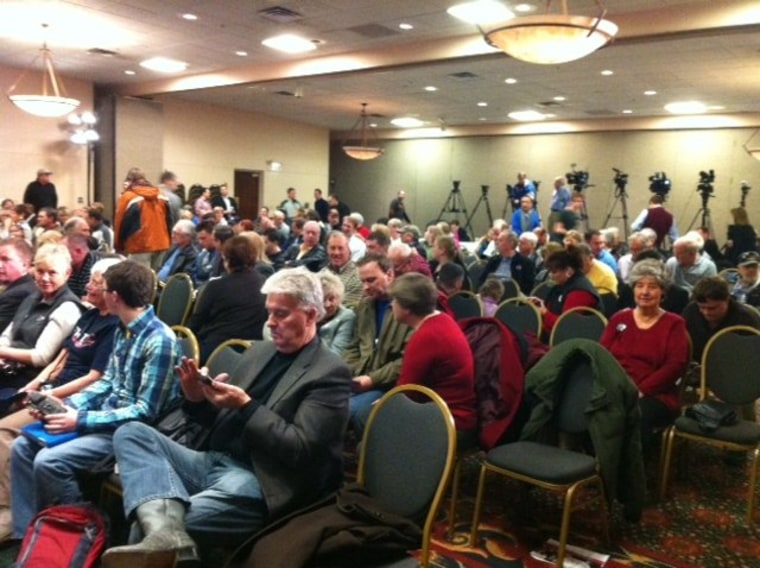 Behind the scenes: 'The Ed Show' at a Newt Gingrich rally