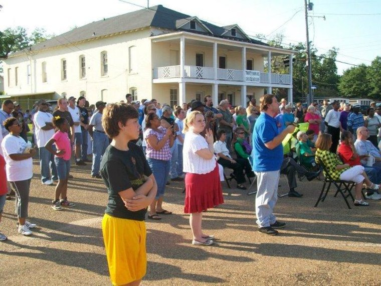 Mississippi town tries for better