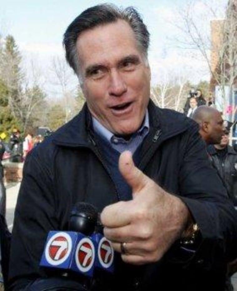 Romney drops policy hints at closed-door fundraiser