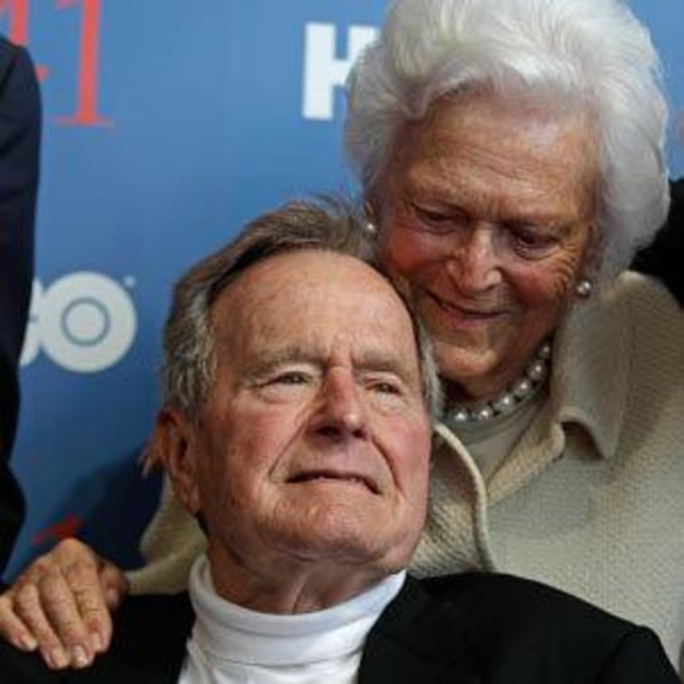 President George H.W. Bush and his wife Barbara (file)