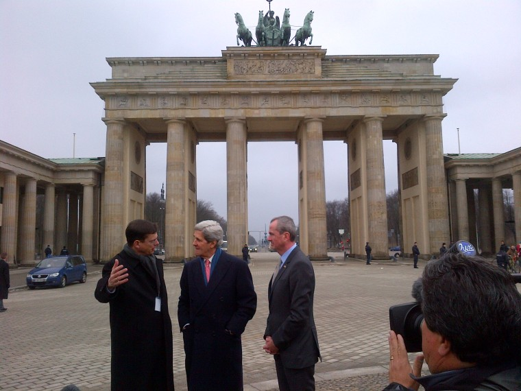 Secretary Kerry walked to look at the Brandenberg Gate (Photo: Catherine Chomiak/NBC News)