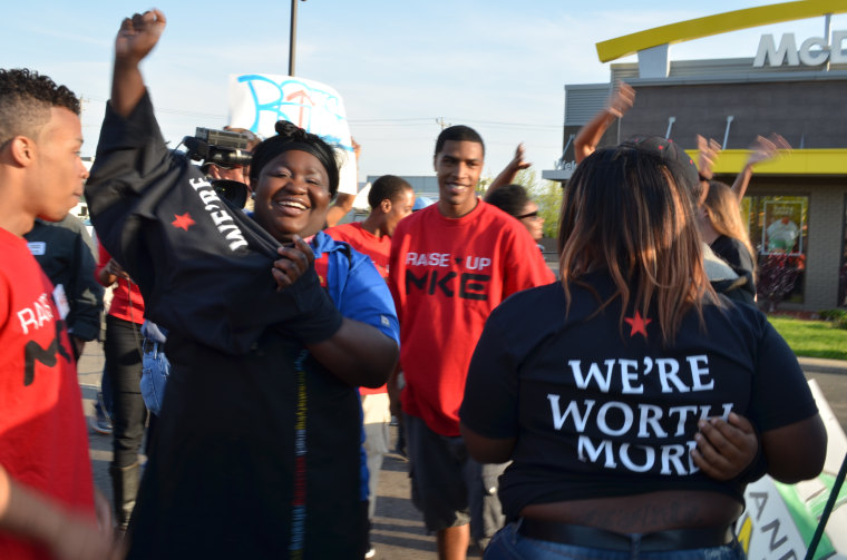 Striking fast food and retail workers in Milwaukee, Wisc. on May 15, 2013. (Photo courtesy of raiseupmke.org)