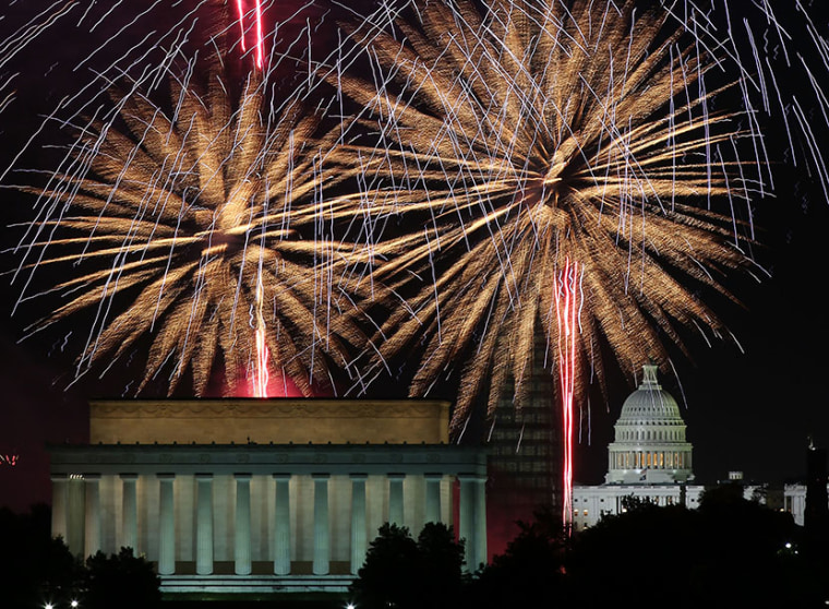 Fireworks light up the sky over the Lincoln Memorial, Washington Monument, and the U.S. Capitol on July 4, 2013 in Washington, DC. (Photo by Mark Wilson/Getty Images)