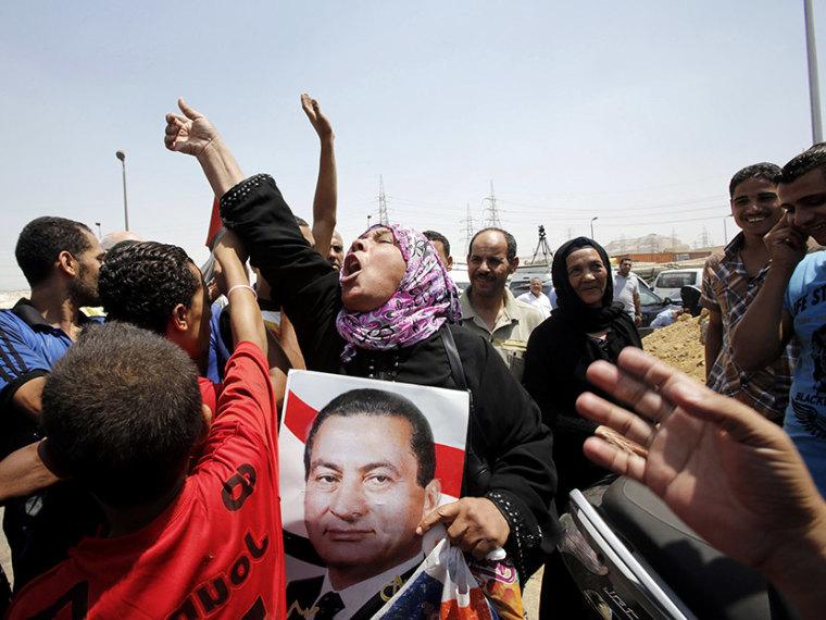 Mubarak released from prison - Erin Delmore - 08/22/2013