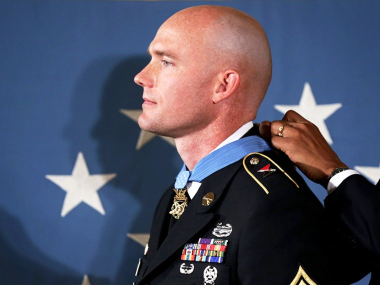 Obama Awards Staff Sgt Ty Carter With Medal Of Honor At White House - Erin Delmore - 08/26/2013