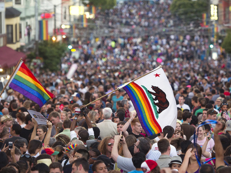 Thousands of revelers fill Castro St. in San Francisco