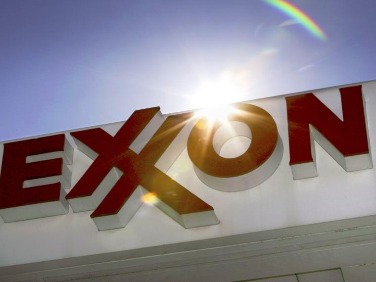 Exxon Mobil to recognize same-sex marriage for benefits eligibility - Emma Margolin - 09/27/2013