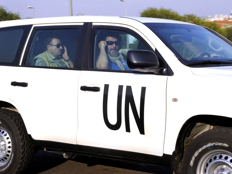 UN chemical weapons inspectors arrive in Lebanon from Syria
