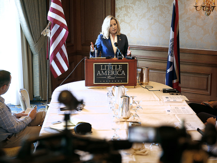 Conservative group knocks Liz Cheney on gay marriage