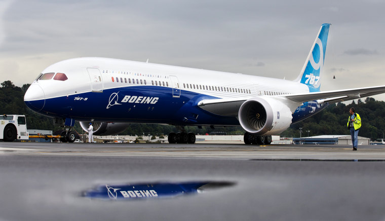 A Boeing 787-9 Dreamliner taxis in Seattle, Washington. Sept. 17, 2013.