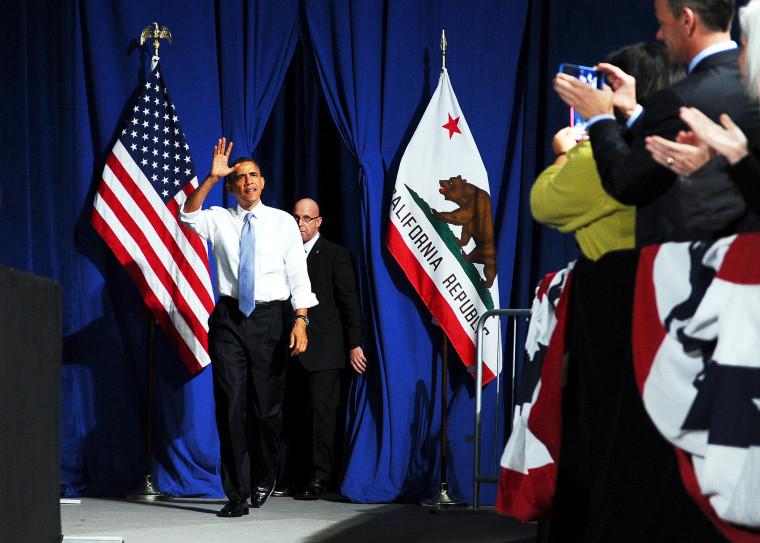 US President Barack Obama arrives to speak on immigration reform in San Francisco, Nov. 25, 2013.