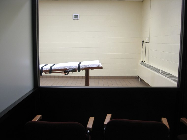 """This Nov. 30, 2009 photo shows the witness room facing the execution chamber of the """"death house"""" at the Southern Ohio Correctional Facility in Lucasville, Ohio."""