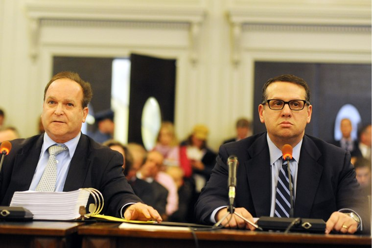 David Wildstein (R) and his attorney Alan Zegas (L) testify at a hearing held by the Assembly Transportation Committee, Jan. 9, 2014.