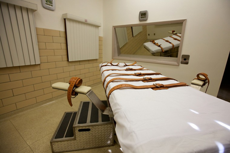 The lethal injection chamber of the South Dakota State Penitentiary is seen, Oct. 9, 2012.