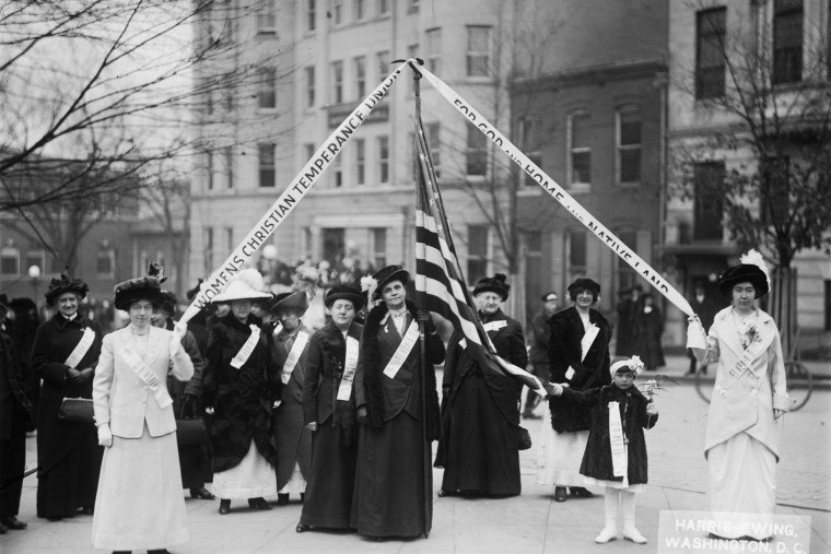 Members of the Woman's Christian Temperance Union (WCTU) march in Washington DC in 1909.