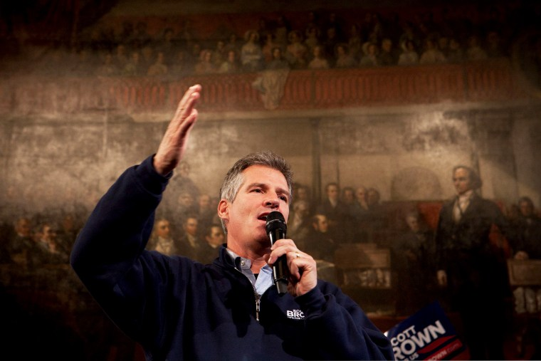 Former Massachusetts Senator Scott Brown speaks to the crowd during a rally at Faneuil Hall in Boston, Massachusetts on November 4, 2012.