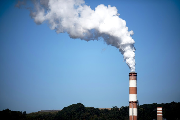A plume of exhaust extends from the Mitchell Power Station, a coal-fired power plant built along the Monongahela River, September 24, 2013 in New Eagle, Pennsylvania.