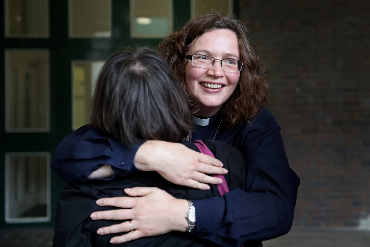Church of England Synod Vote In Favor Of Women Bishops