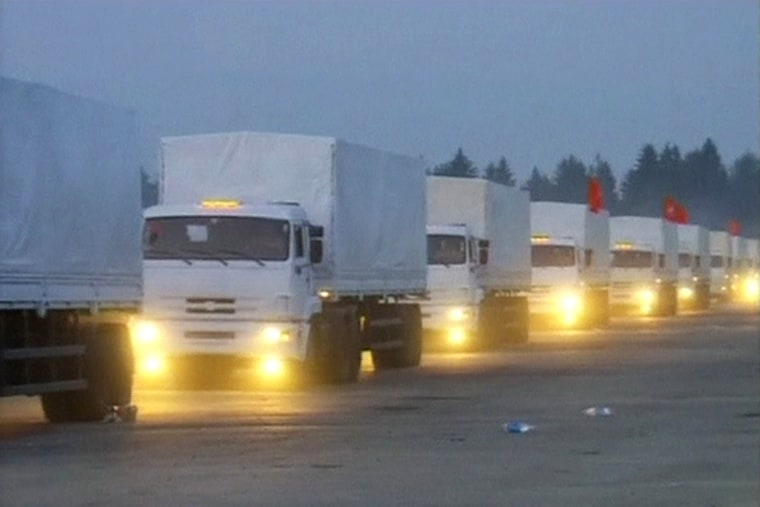 Image: A Russian convoy of trucks carrying humanitarian aid for Ukraine setting off from near Moscow