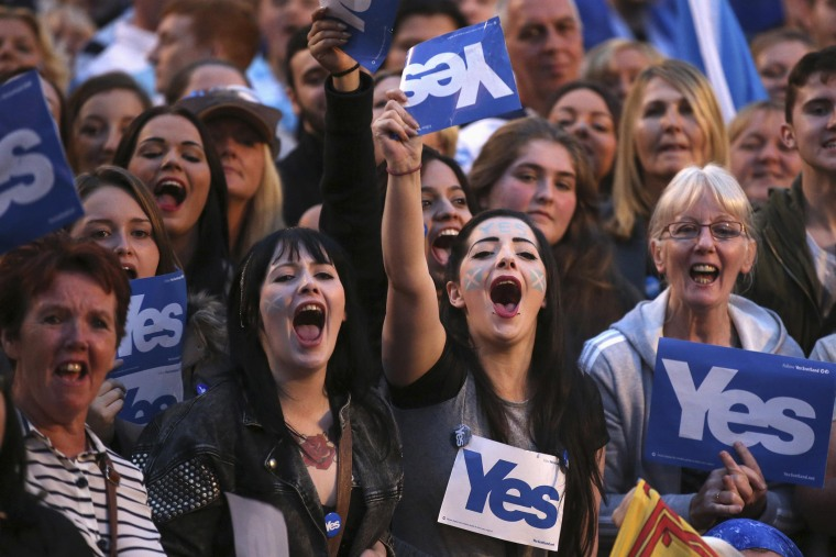 'Yes' campaigners gather for a rally in George Square, Glasgow, Scotland on Sept. 17, 2014.