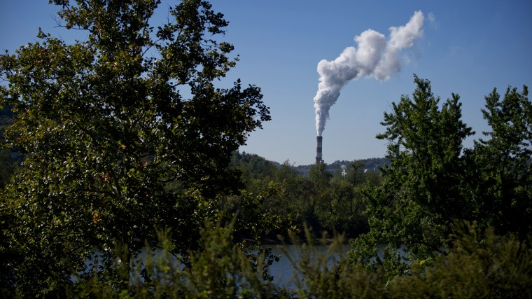 A plume of exhaust extends from a coal-fired power plant on Sept. 24, 2013 in New Eagle, Pa. (Photo by Jeff Swensen/Getty)