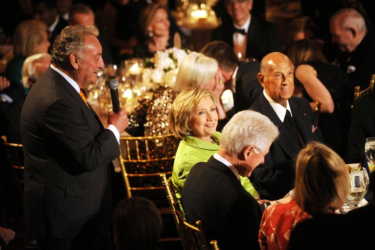 From left, banker Sandy Weill, Hillary Clinton, Bill Clinton, and Oscar de la Renta attend the 2014 Carnegie Hall Medal Of Excellence Gala Honoring Oscar De La Renta at The Plaza Hotel on April 24, 2014 in New York, N.Y.